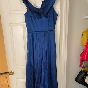 Dress only worn once !